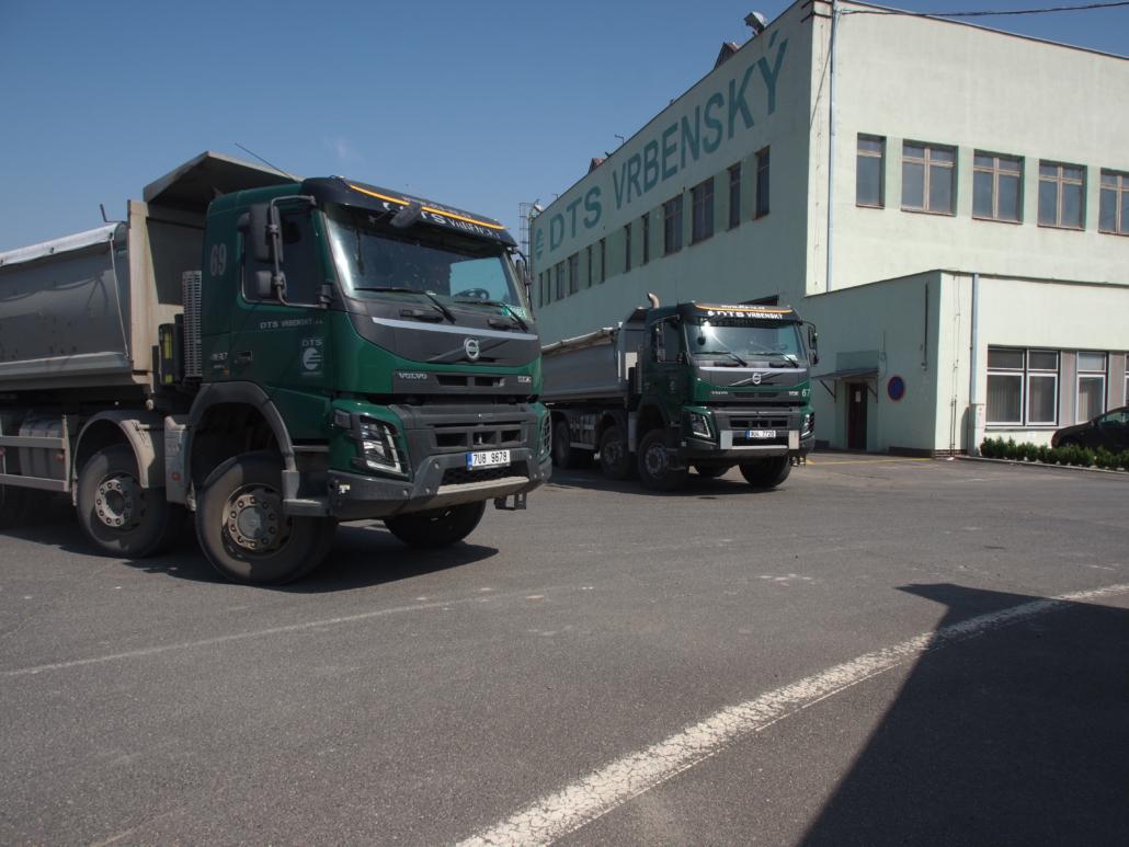 Nákladní vozy Volvo s návěsem